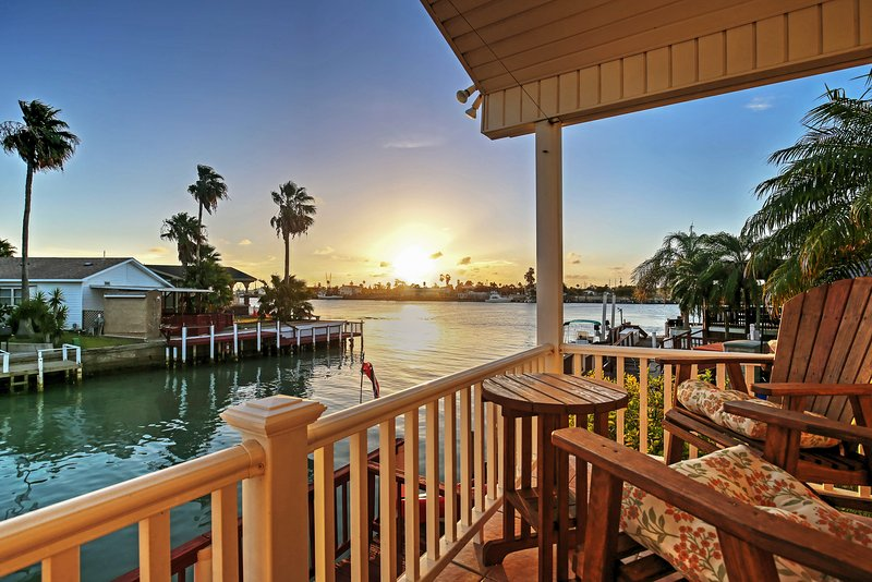 Port Isabel Cottage w/ Intracoastal Waterway Views, vacation rental in Port Isabel
