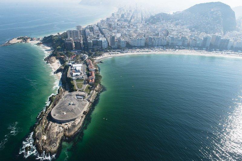 fuerte militar en el Posto 6 Copacabana, un paseo de 10 minutos de apt