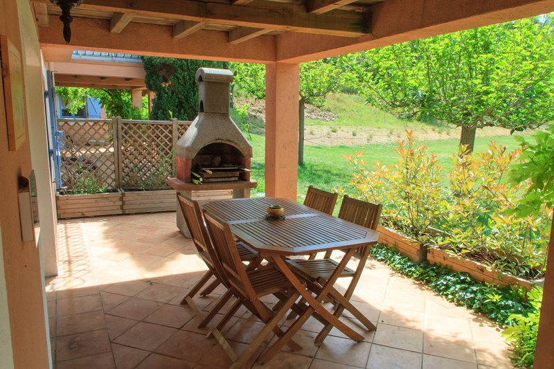 Terraço e cozinha de verão