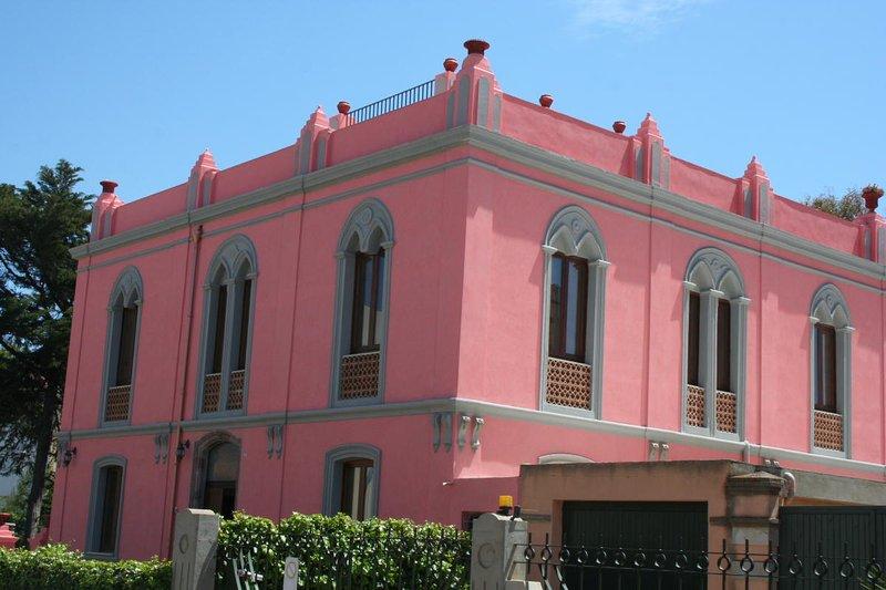 The Pink Palace - Apartment La Sabbia, holiday rental in Bosa Marina