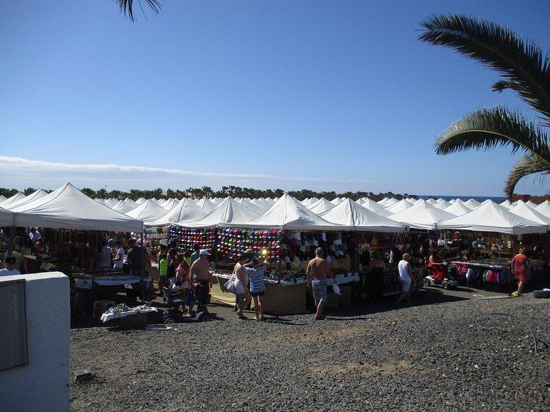 Caleta Market