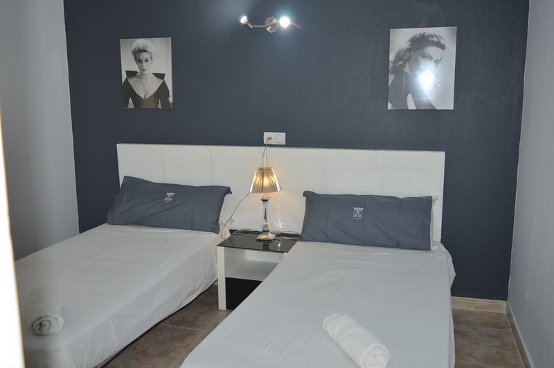 Dormitorio  A y D