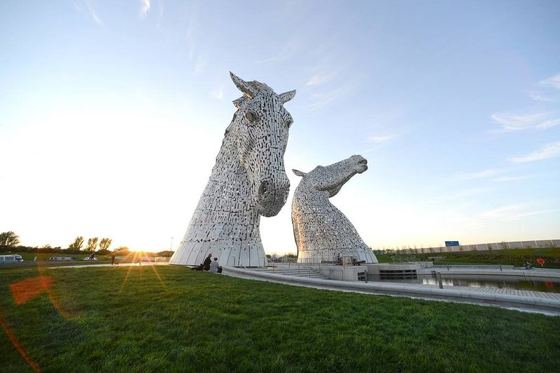 Local attraction. The kelpies