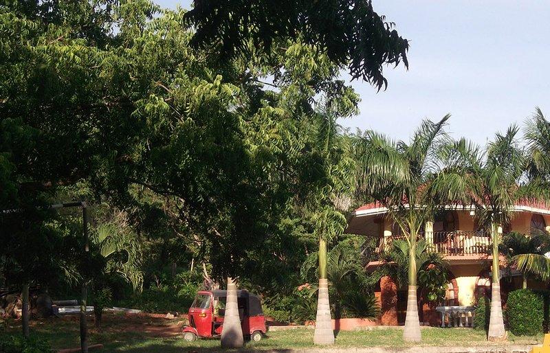 Casa Angelina, on Beach road, location de vacances à Rivas