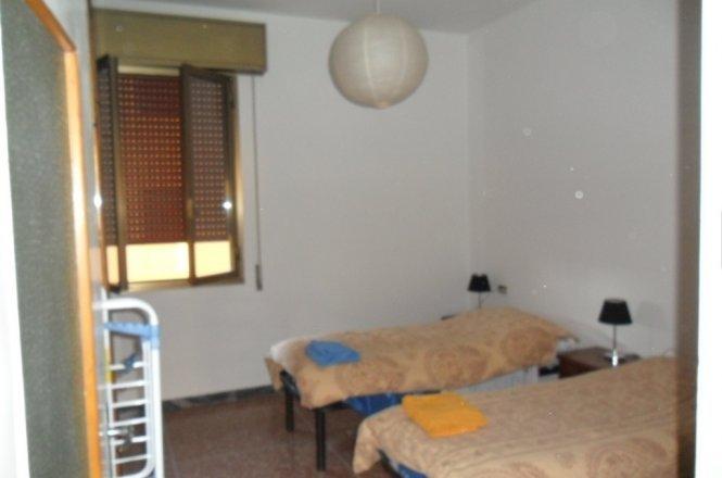 ampia stanza zona sandonato/massarenti/fiera, holiday rental in San Donino