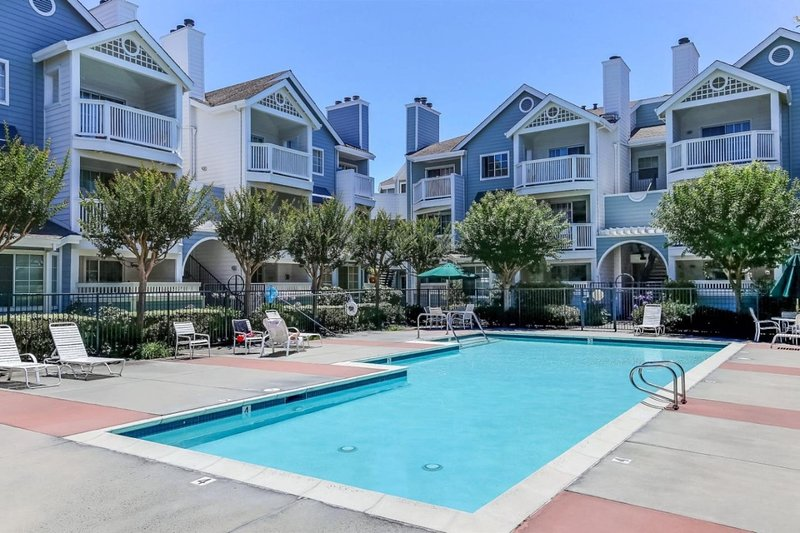 Centrally Located Independent Executive Suite, vacation rental in Sunnyvale
