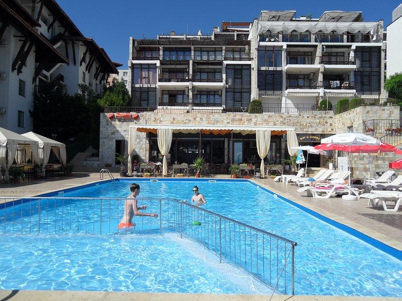 Dolce Vita Swimming Pool