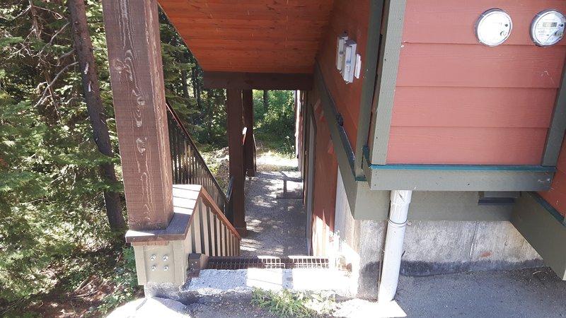 Escalera a la entrada suite