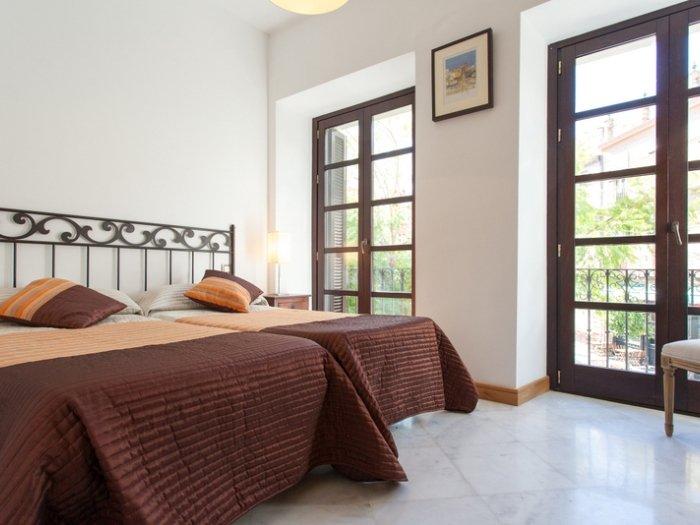 [653] Spectacular three bedroom apartment with private terrace at Triana, vacation rental in Valencina de la Concepcion