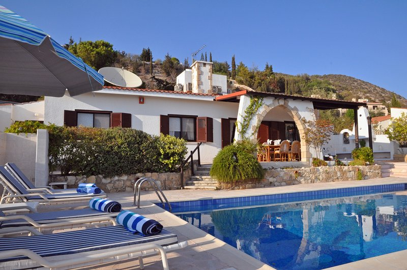 Stunning Hillside Sea View Villa with Private Pool, holiday rental in Tala
