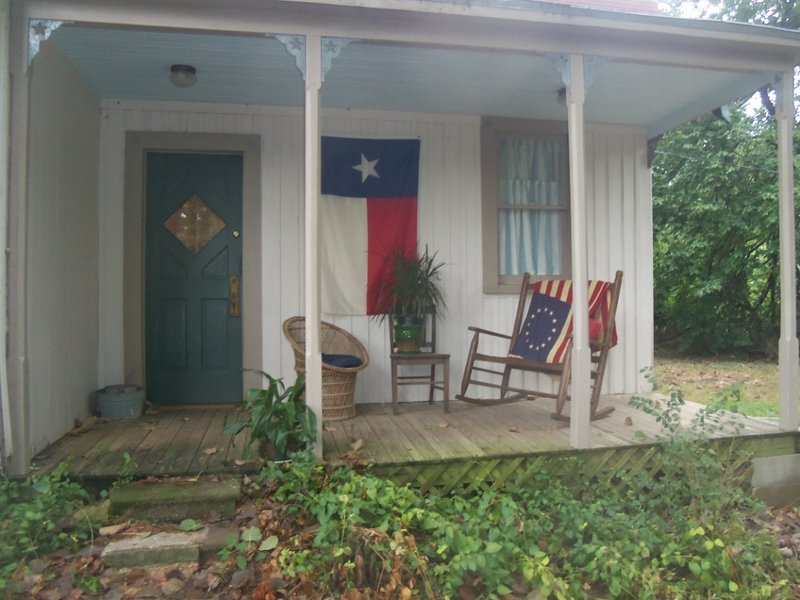 Texas Gothic, holiday rental in Groesbeck