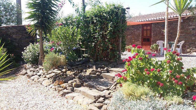 O Ninho, Monte Da Estrada near Ourique, vacation rental in Beja District