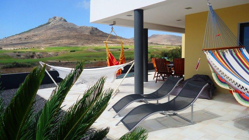 Villa Golf | Charming Beach House, location de vacances à L'île de Porto Santo