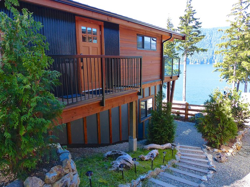 #247 Fish Tales / 2BR / Ocean View / Pet Friendly, vacation rental in Port Renfrew