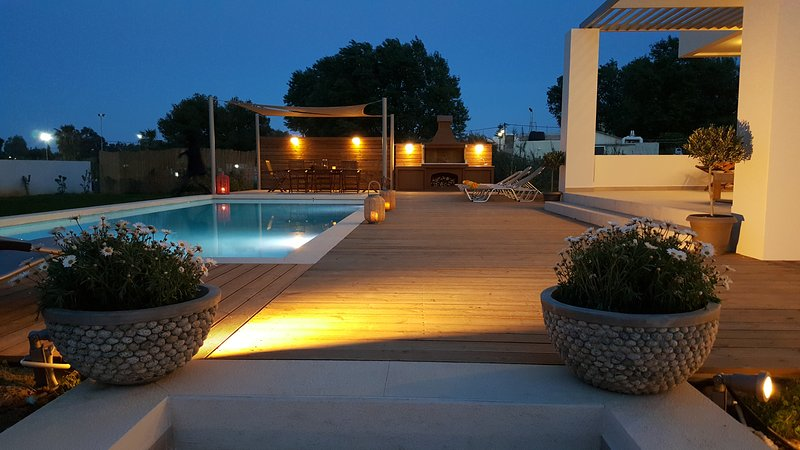 Sea Queen Villa Beachfront-sandy beaches, '4 km to city centre'  Chania. Crete. – semesterbostad i Kreta