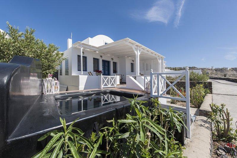 Eine attraktive, helle und luftige Villa bauen mit viel Santorini Stil.