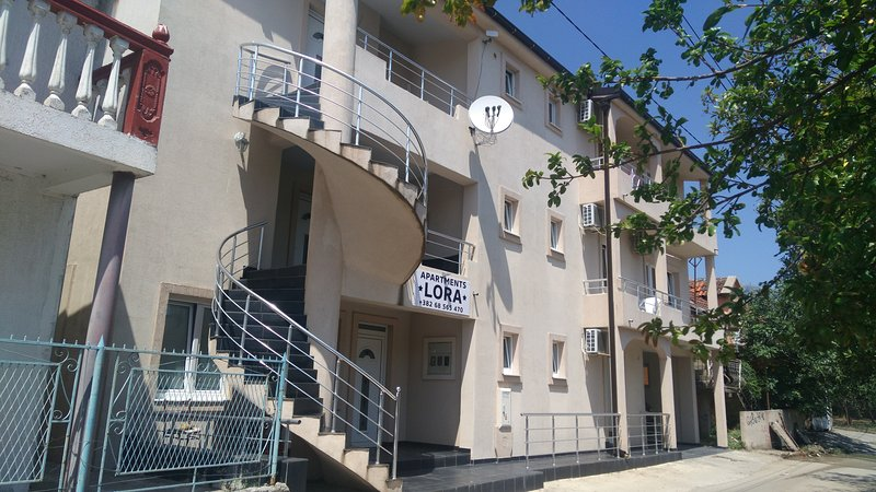Apartments LORA, Ferienwohnung in Bar