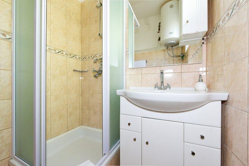 A1 Veliki (4 + 2): bagno con wc