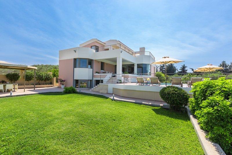 Villa Anastasia, Perfect Layout in Great Location!, Ferienwohnung in Platanias