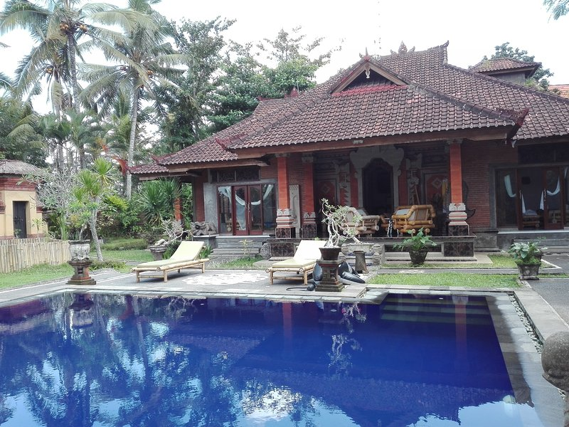 Welcome to Villa Tatiapi ubud. your sweet home in Bali. See you inside. Kind Regards Guru