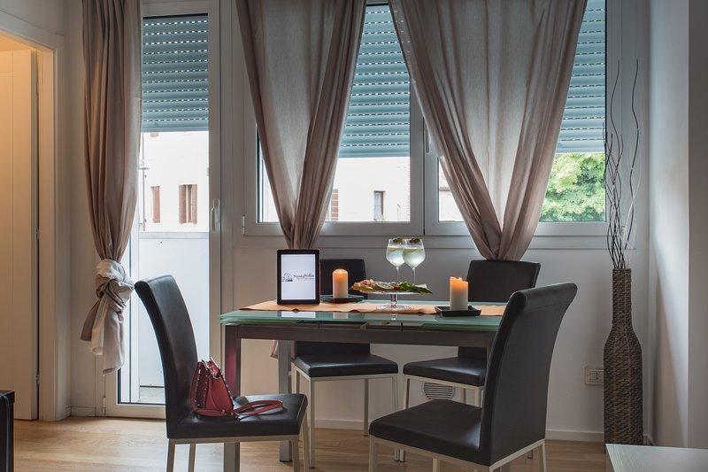 mesa de comedor y terraza