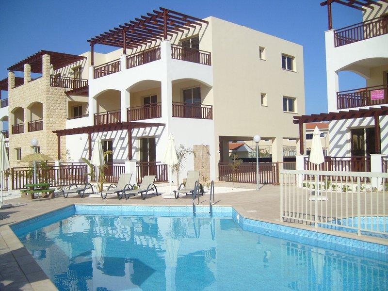 Alexandra 2 - Kapparis Apartment Sunset, location de vacances à District de Famagouste
