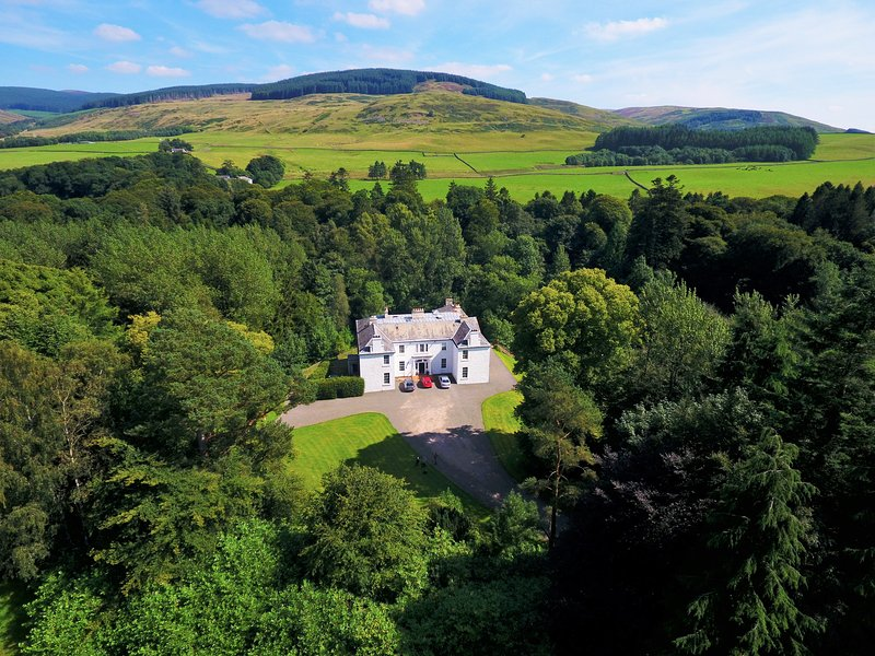 DUMCRIEFF HOUSE, Moffat, Dumfries & Galloway, vacation rental in Eskdalemuir