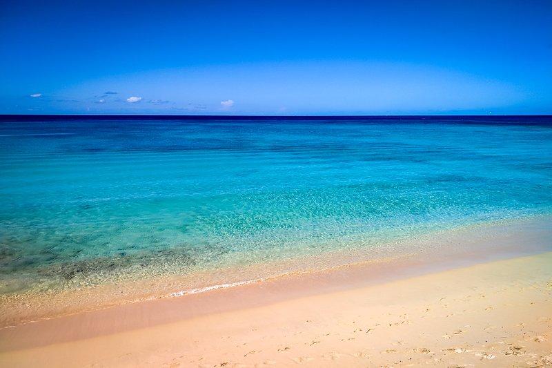 La hermosa playa de Gibbes a la vuelta de la esquina