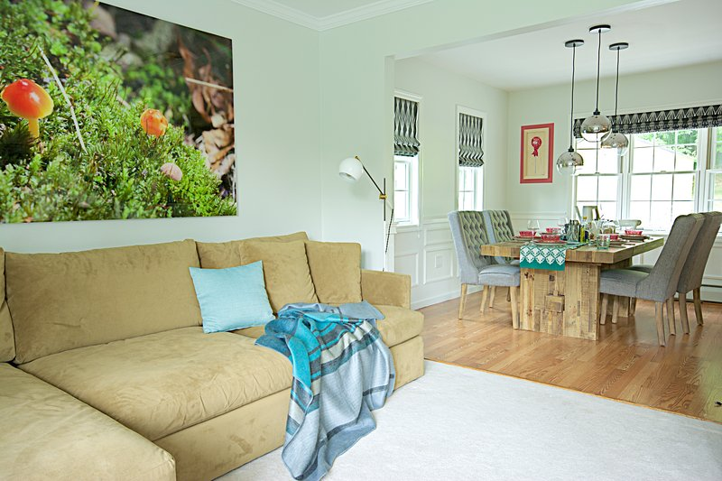 Open concept dining area for your viewing and entertaining purposes.