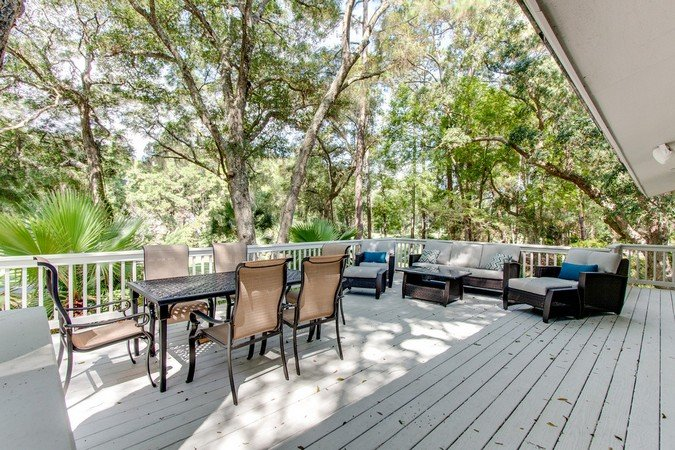 Huge Deck off the Living Space