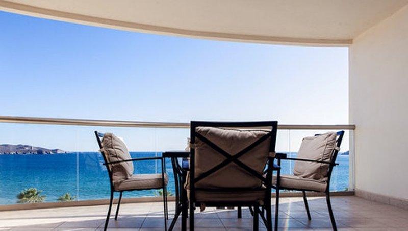 1 Bedroom Condo Playa Blanca 506, holiday rental in Guaymas