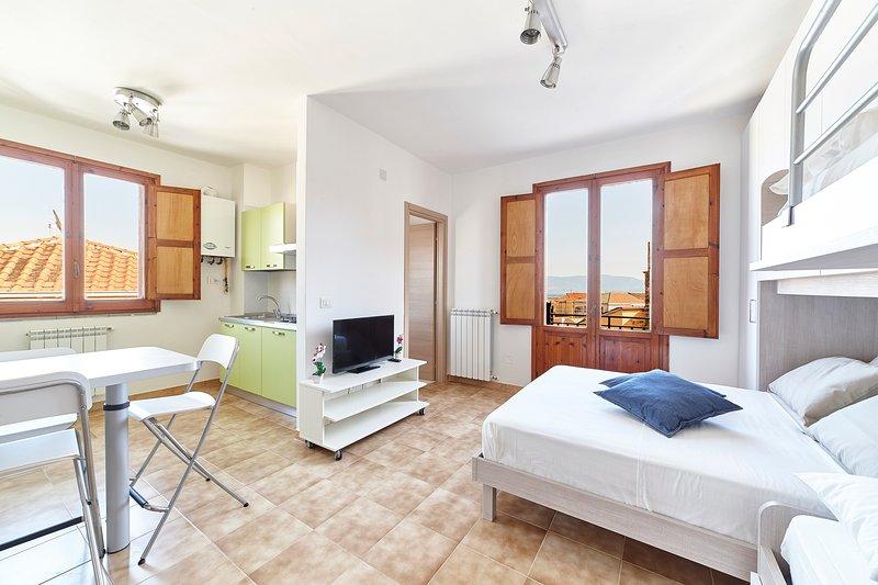 Monolocale Castello Le Case Del Borgantico, vacation rental in Eboli