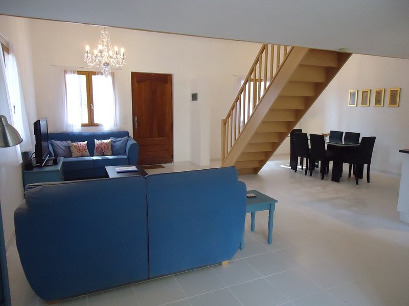 Downstairs lounge/ dining area