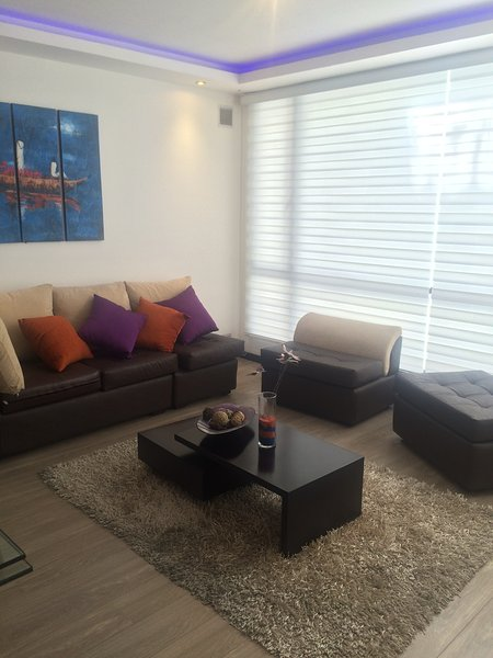 Comfortable and Complete Suite rental, holiday rental in Calacali