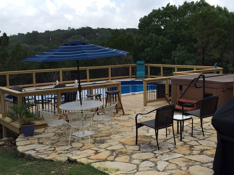 Cozy & Quiet Guest House - Pool & Hot Tub - Views!, vacation rental in San Marcos