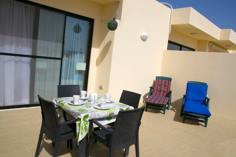 Modern Penthouse 2 Mins From The Sea-Central Bugibba (Fully A/C+Free Wifi), holiday rental in Bugibba