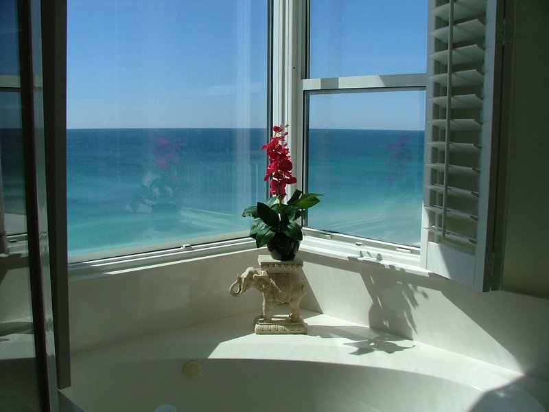 Jetted tub overlooking Gulf in Master Suite