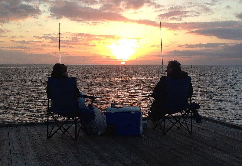 Αυτό θα μπορούσε να είναι. Απαγορεύεται η αλιεία από την αποβάθρα στο ηλιοβασίλεμα. Ανυπομονούμε την επίσκεψη σας!
