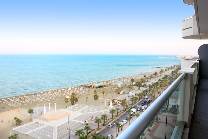 All day round lively Finikoudes beachfront and sea view!