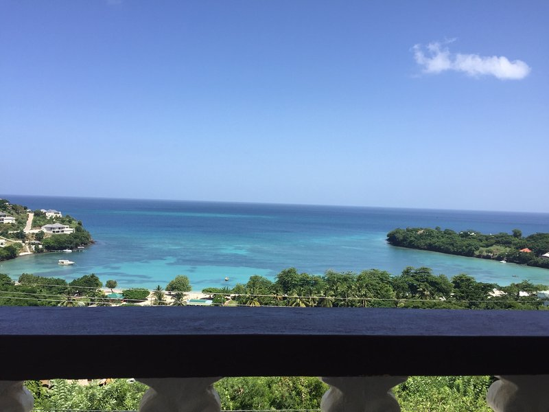 Maison De Luxe Ocean View (BBC Beach-house), holiday rental in Morne Rouge