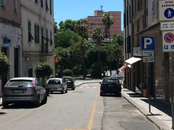 Blick auf die Straße / Vista strada