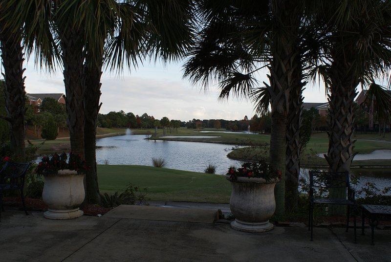 Primeiro buraco no campo de golfe da parte de trás do Clubhouse.