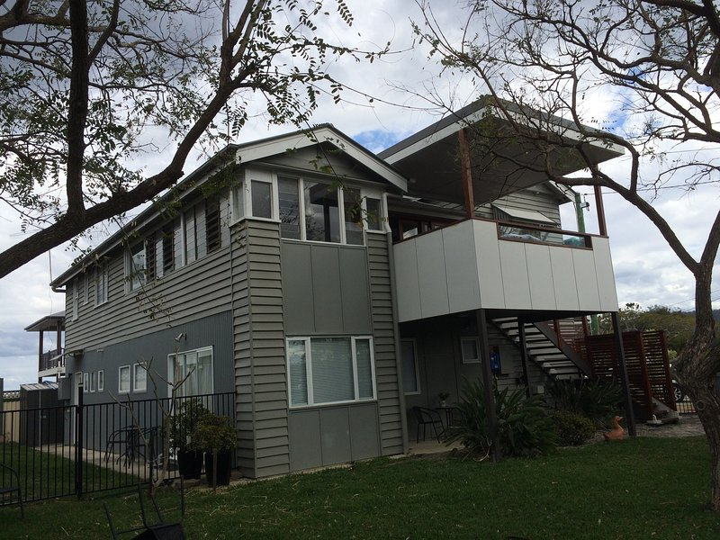 Lone Pine Lodge - Upstairs apartment, alquiler vacacional en Mount Glorious