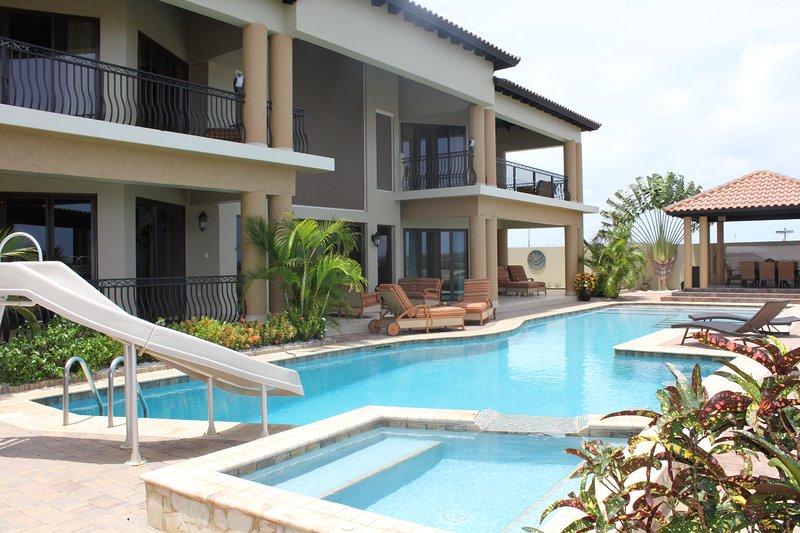 Luxury Ocean View Villa - ID:128, casa vacanza a Arasji