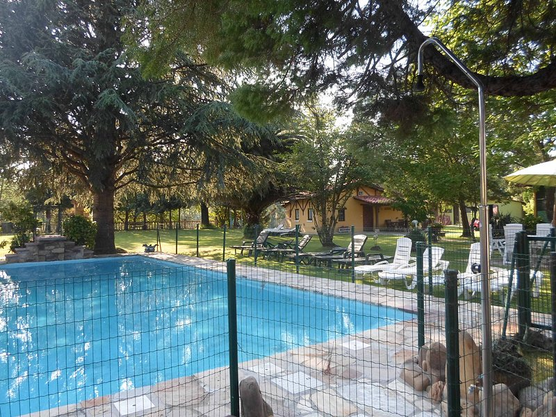 Finca El Pinar - Piscina,pisc.inf, Jardin, wi-fi, alquiler vacacional en Parbayón