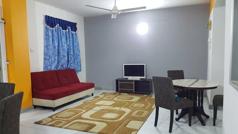 Anjung No 5 Bed and Breakfast KLIA, holiday rental in Sepang