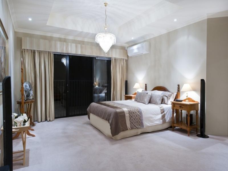 Master Bedroom Suite donne sur votre piscine privée