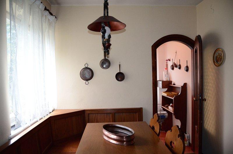 Wohnzimmer Seite (6/8 Personen)