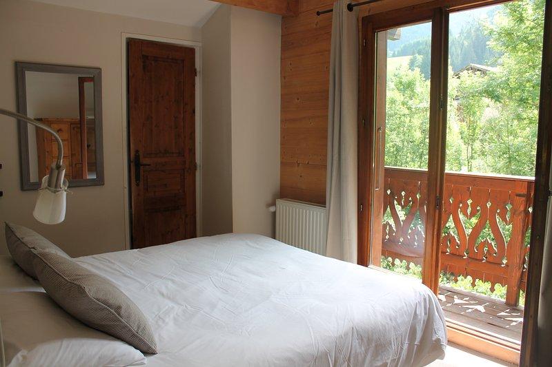 Schlafzimmer und Balkon