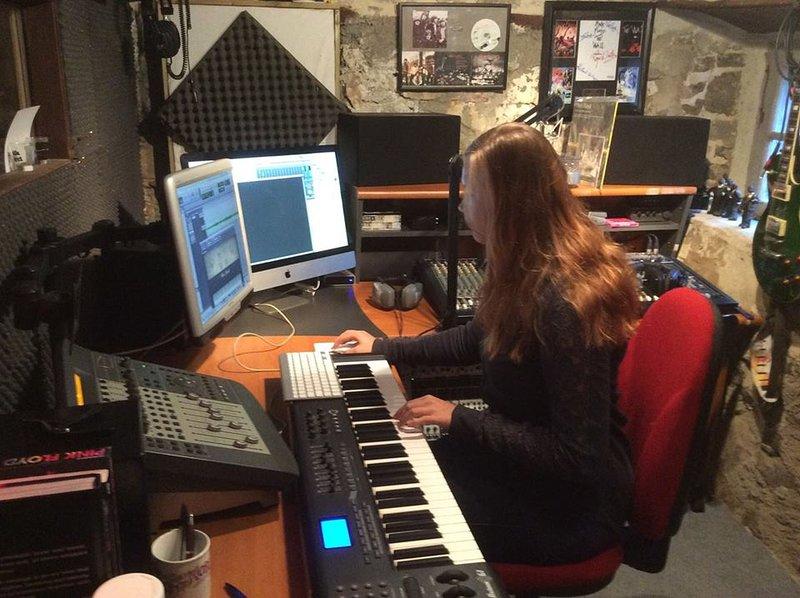 Melanie no estúdio